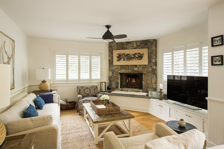 Bell Haven Resort Cottage Living Room